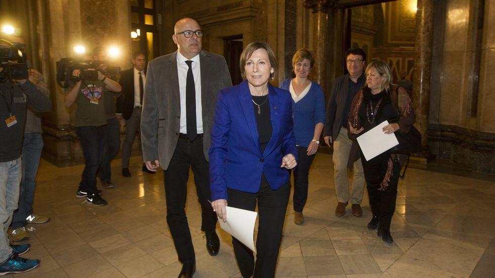 Pánico en el Parlamento de Londres.Jean-Claude Juncker y Theresa May durante una reunión celebrada en Malta el pasado mes