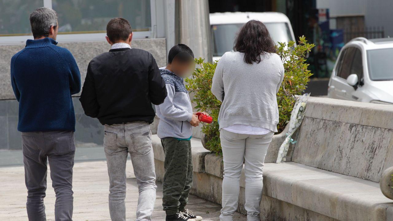 En este lugar de la Plaza Mayor de Salceda murió apuñalado el joven de 24 años de Salceda