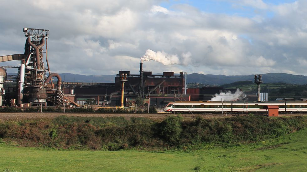 Baterías de coque de la planta de Arcelor en Gijón.Instalaciones de ArcelorMittal en Veriña