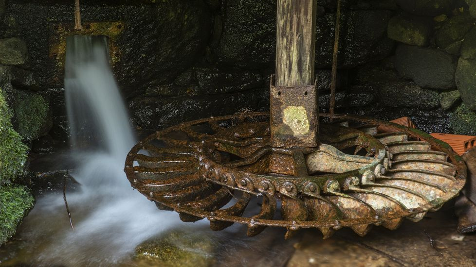 Un viejo rodicio en el molino de Ramiro da Boca