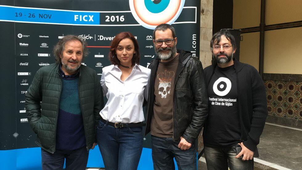 El director Santiago Zannou.Un fotograma de «The Teacher», a competición en el FICX54