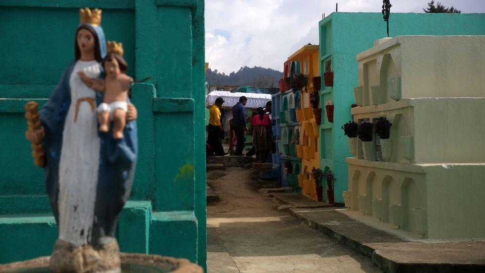 Construcción de túnel en Guatemala.Debater para escoitar os demais, ou deixámonos levar polo que cada un pensa ou lle interesa?