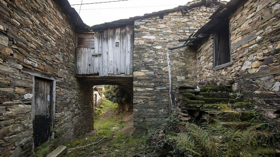 En Campodola e outras aldeas hai numerosas casas antigas que foron levantadas sen utlizar morteiro