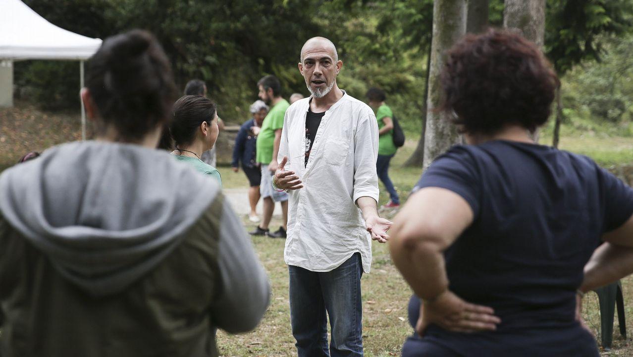 FLORIAN WIESER / EFE.Serxio Cobos, nun obradoiro de danza tradicional.