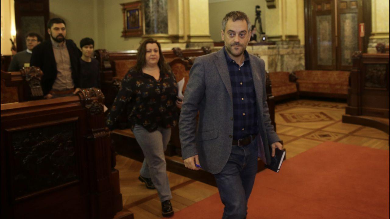 Pleno en el ayuntamiento de La Coruña con la toma de posesion del concejal del PSOE Tom Pachon