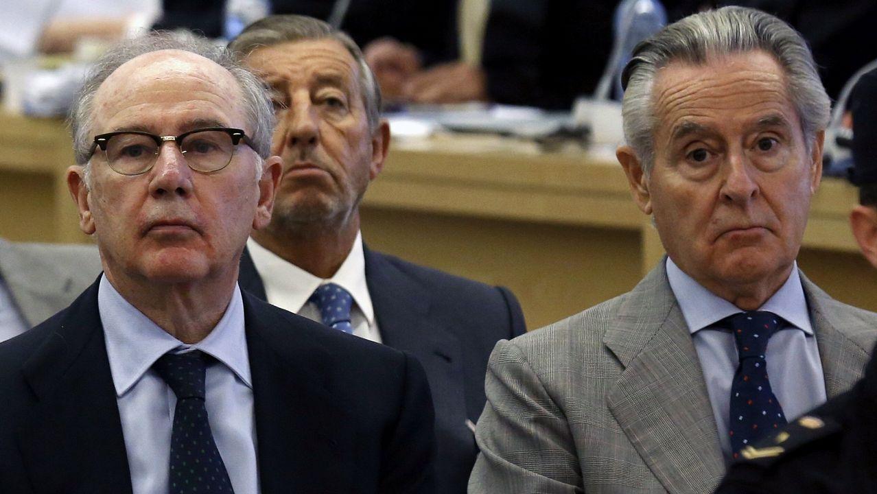 Rato entra en Soto del Real.Caso de las tarjetas «black». En febrero Rodrigo Rato fue condenado a cuatro años de cárcel, y Miguel Blesa a seis.