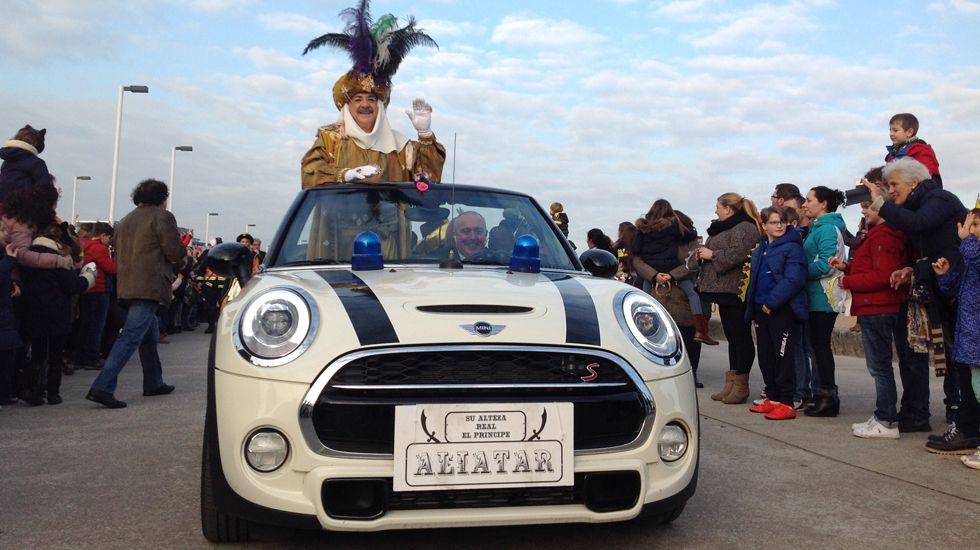 El Príncipe Aliatar, encabezando la comitiva real en su coche