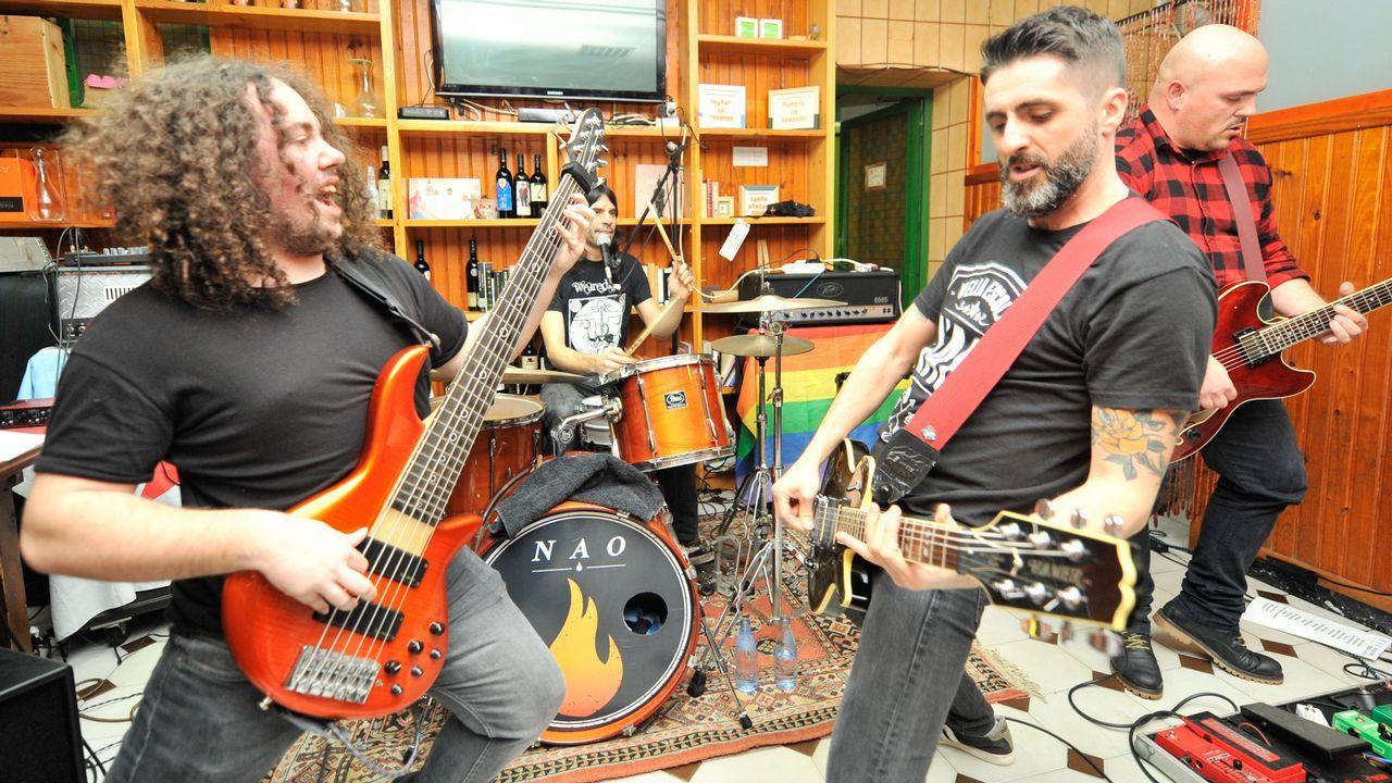 La feria anual de los anticuarios de Sarria, en imágenes.El grupo de jazz Foolmakers ofrecerá un concierto en el Clavicémbalo