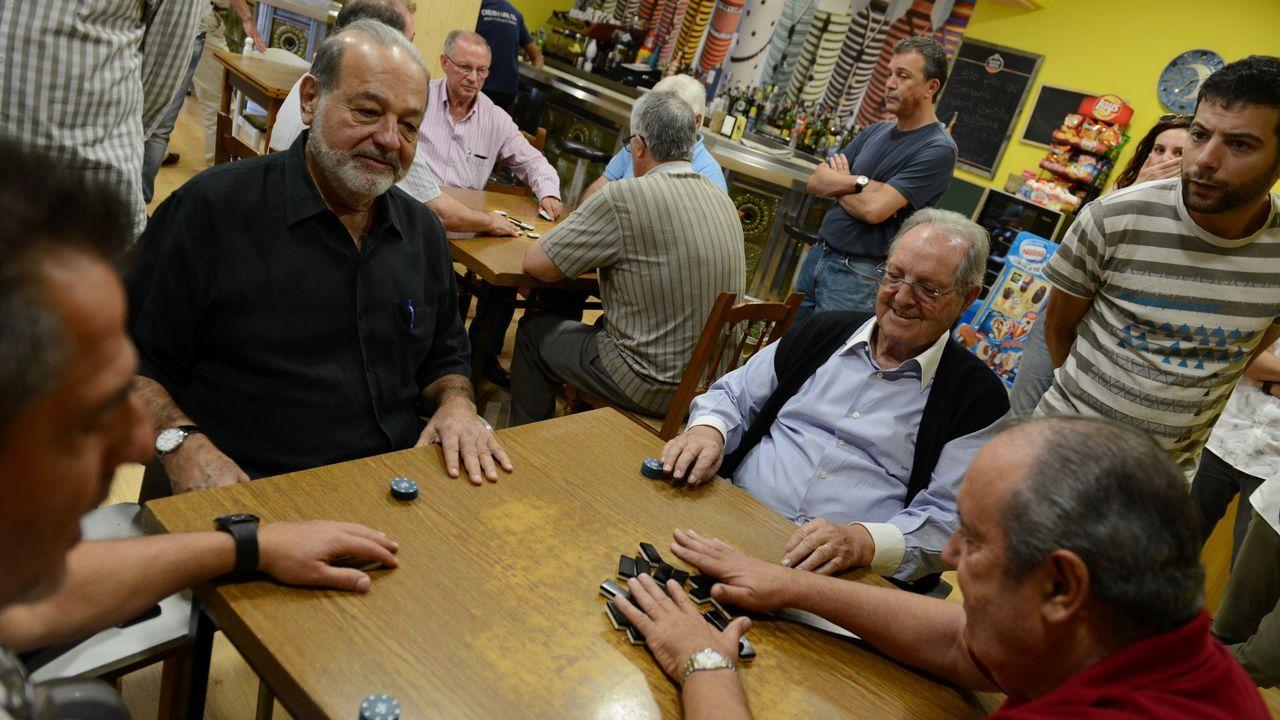 Carlos Slim repite partida de dominóen Avión