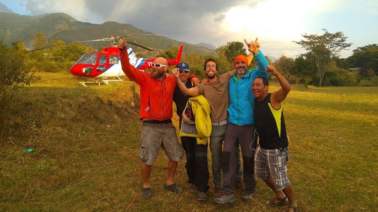 Imagen del rescate de Cheluis publicada en Facebook por sus compañeros