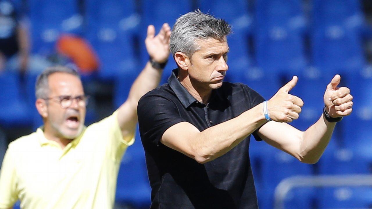 Toche Real Oviedo Granada Carlos Tartiere.Los jugadores del Oviedo tras la derrota ante el Almería
