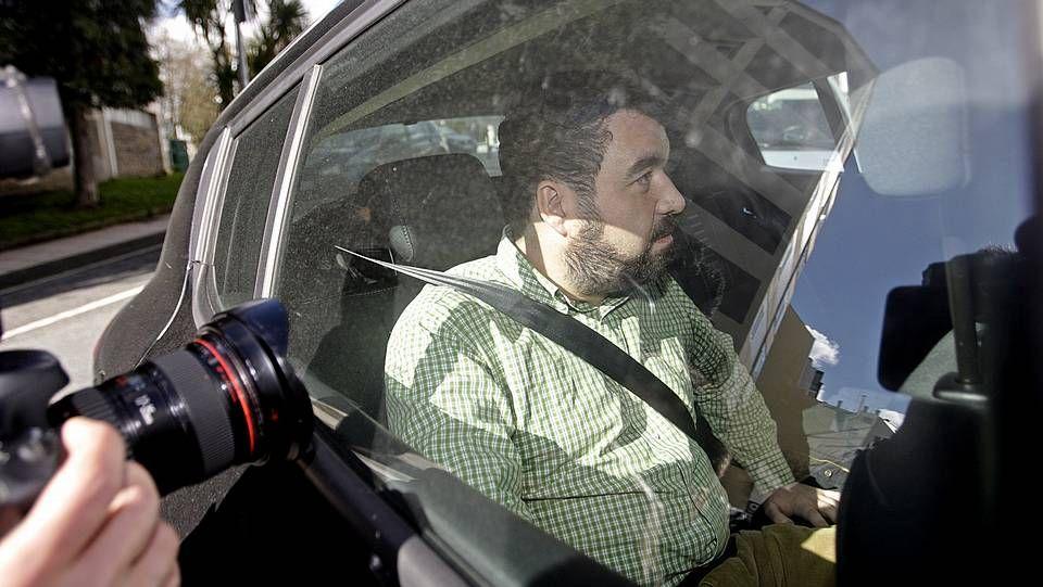Ramón García Montes, con la ejecutiva del PSOE de Siero.Entrega de llaves