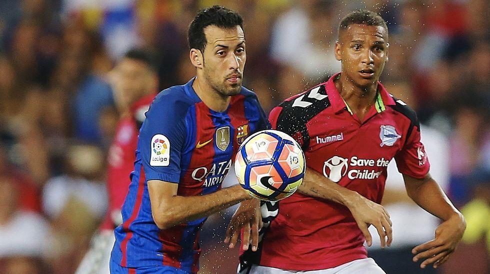 Entrevista con Abelardo.Joselu reclamó un penalti en los primeros minutos del encuentro aunque el árbitro le mostró una tarjeta amarilla.