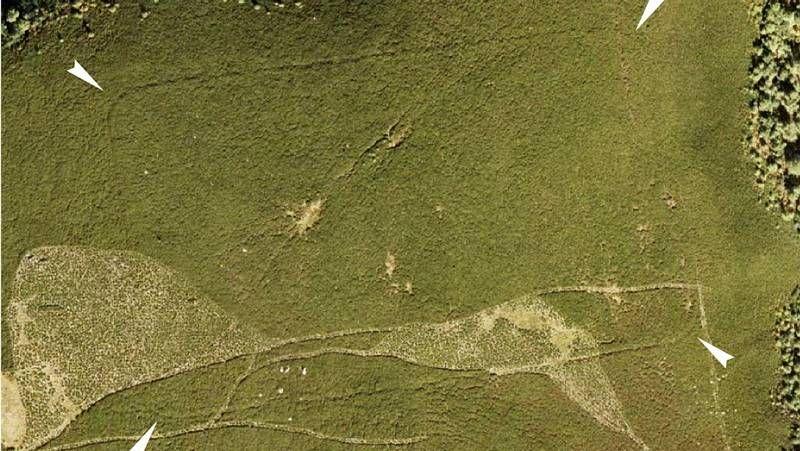 Xosé Tomás pintó a Julio César en una columna del viaducto de Cuatro Caminos.