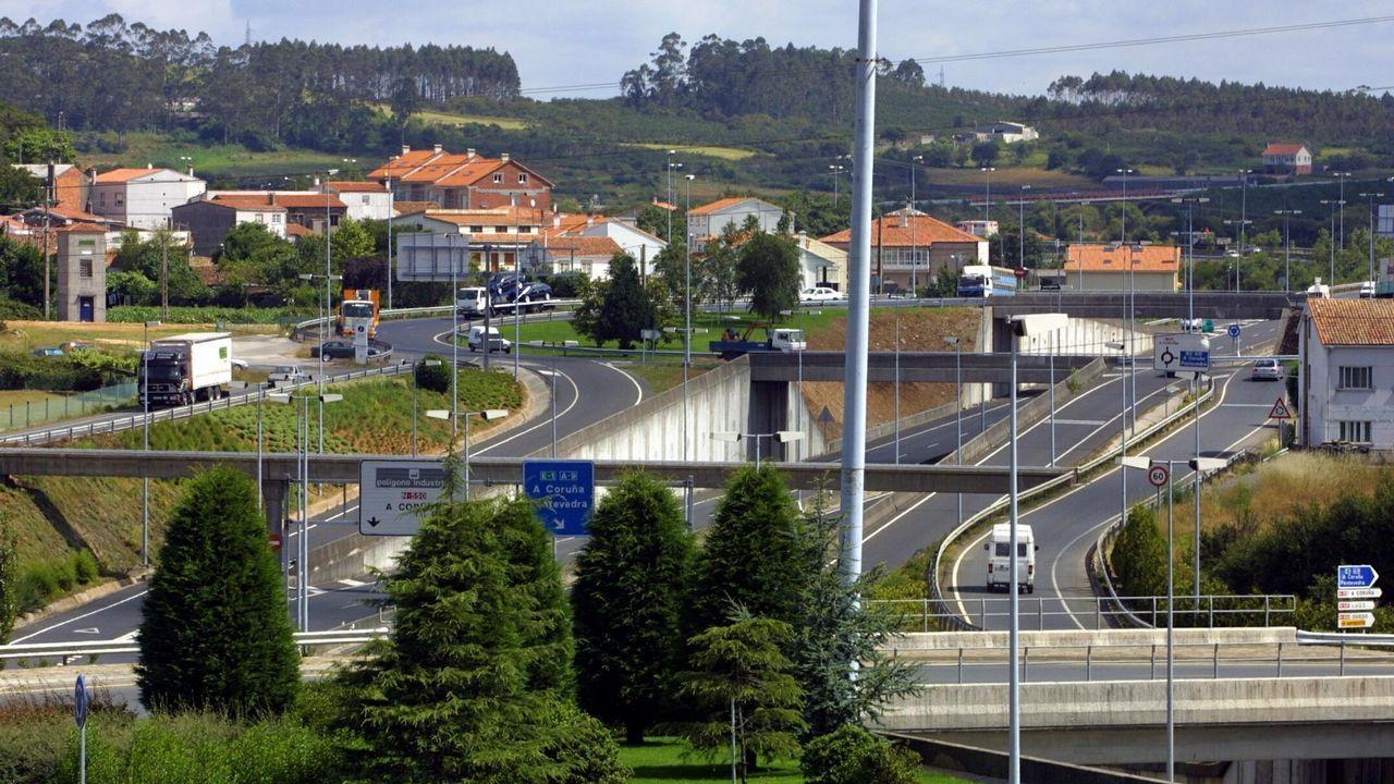 Encierro de los sindicatos de Xustiza en la EGAP por el fracaso de las negociaciones con la Xunta..Asamblea de funcionarios en Vigo