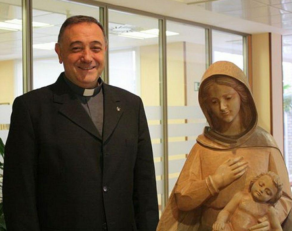 Los obispos reconocen los abusos sexuales cometidos en el seno de la Iglesia.Luis Ángel de las Heras hará mañana su entrada en Ferrol.