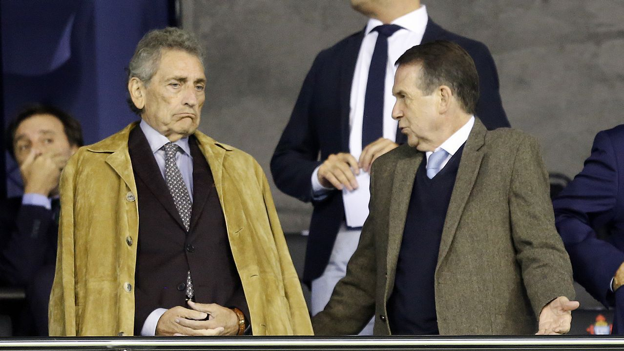 Y al final, Ikea abrió en Vigo.Bugallo y Sánchez, durante una visita líder socialista a Santiago en el 2014