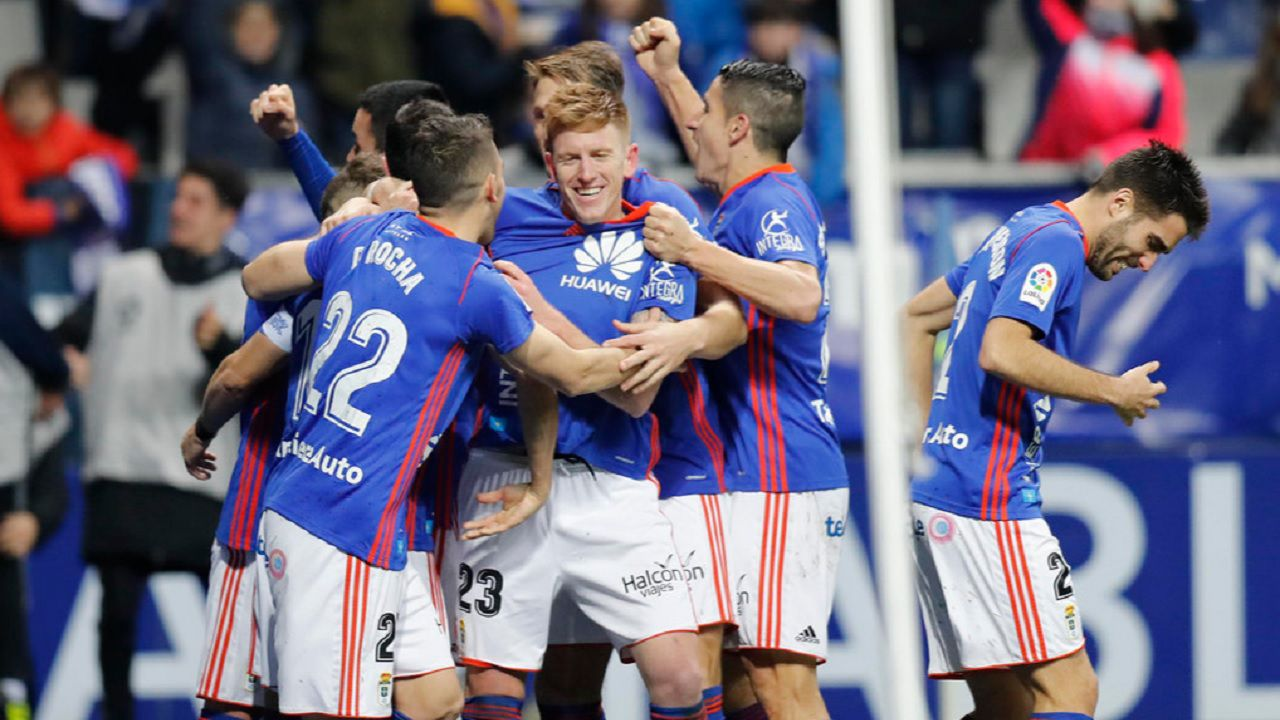 Gol Mossa Saul Berjon Rocha Johannesson Real Oviedo Sporting derbi Carlos Tartiere.Los futbolistas del Real Oviedo celebran el segundo gol de Mossa