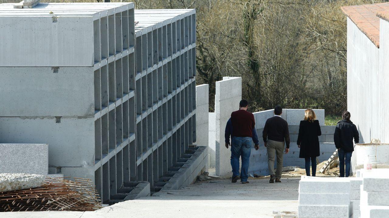 Un operario muere en las obras del cementerio de la Iglesia de Carballal en Lavacolla.Registro Civil de Pontevedra