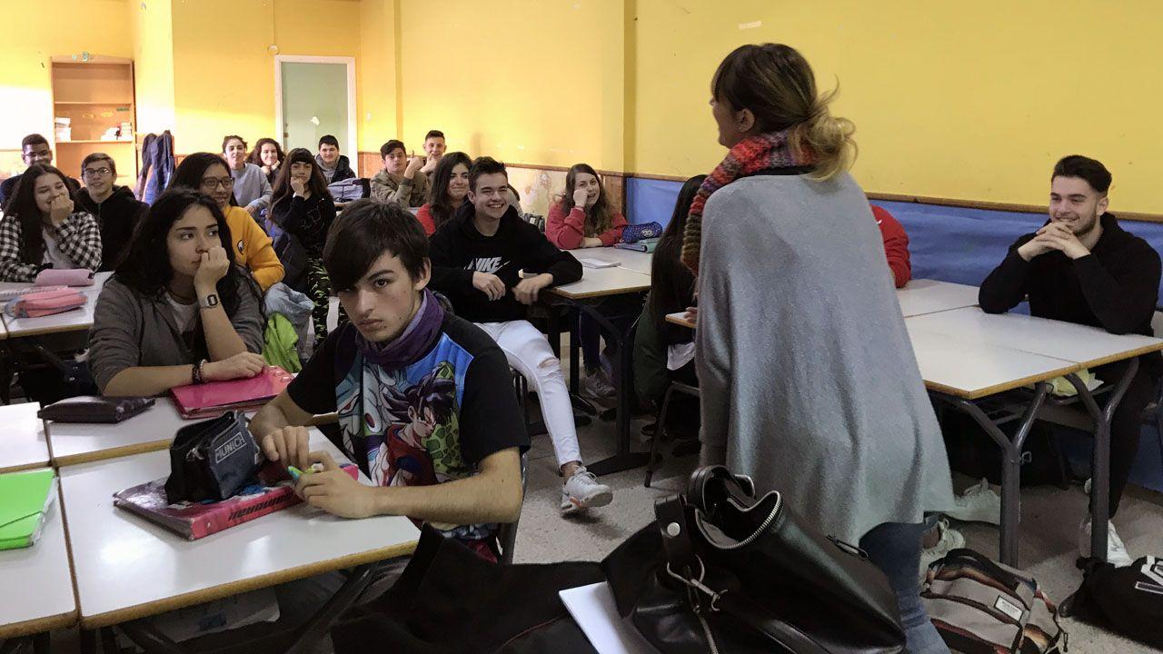 Alumnos de la asignatura de Igualdad, de tercero de la ESO, en el Colegio San Miguel, de Gijón