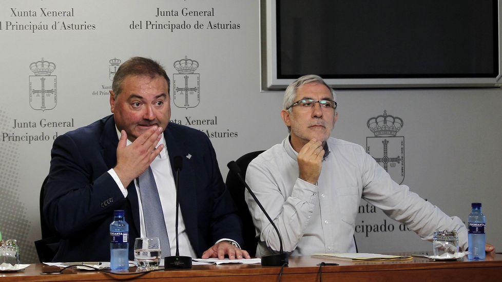 Adrián Barbón y José María Pérez, en el sede de la FSA