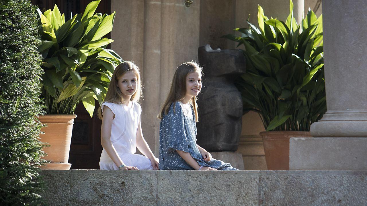 Posado de la familia real en Marivent.