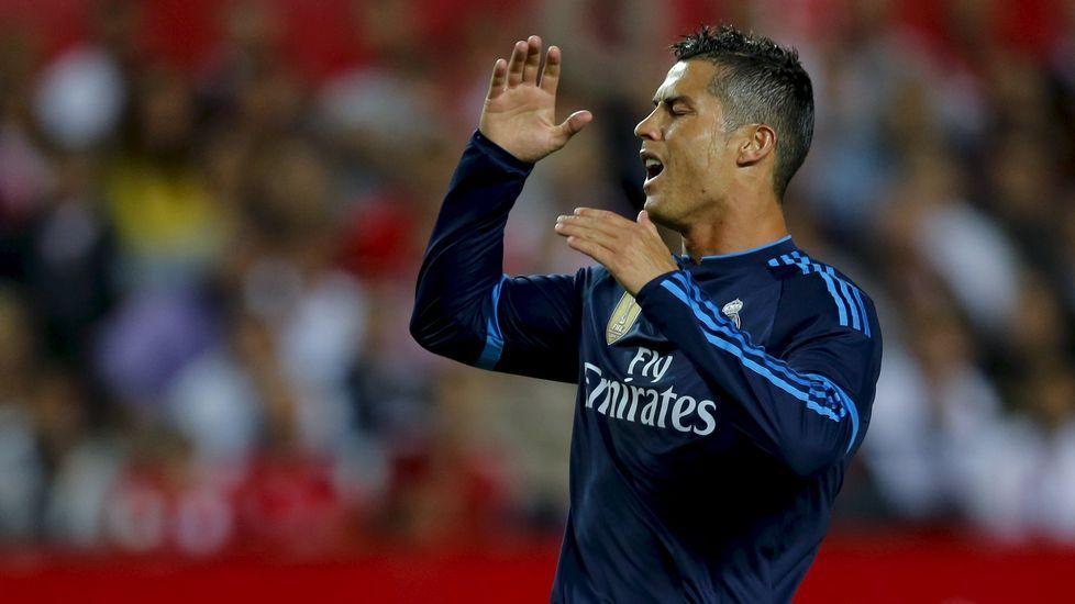 Zidane, ante la visita del Espanyol: «Tenemos que meter goles».Neymar se dispone a marcar ante el Real Madrid