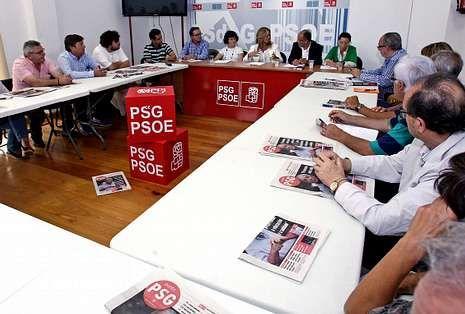 Trinidad Jiménez mantuvo un encuentro con la Plataforma en Defensa de la Sanidad Pública.