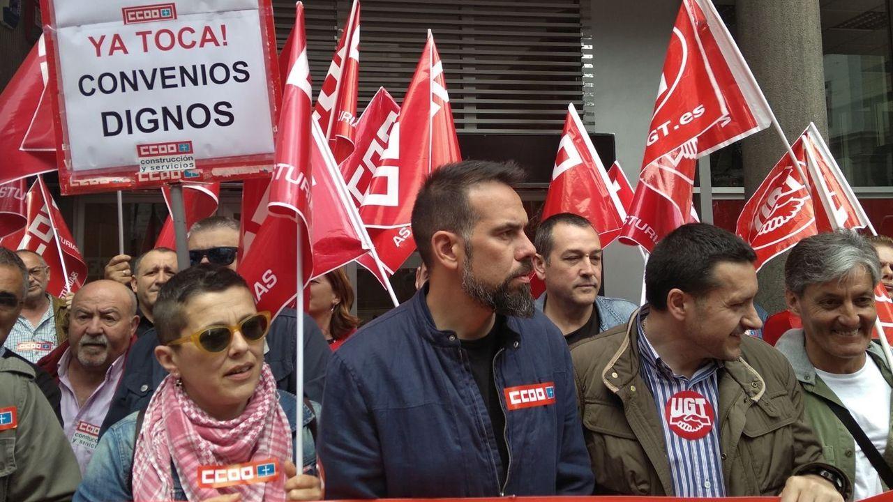 Movilizaciones para reclamar salarios dignos Oviedo CCOO.Javier Fernández Lanero en la sede de UGT en Oviedo