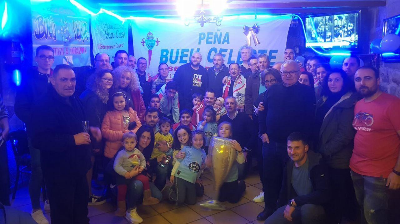 Despedida del año de Bueu Celeste con Jorge Otero.Aficionados del Celta, en un partido en Valladolid