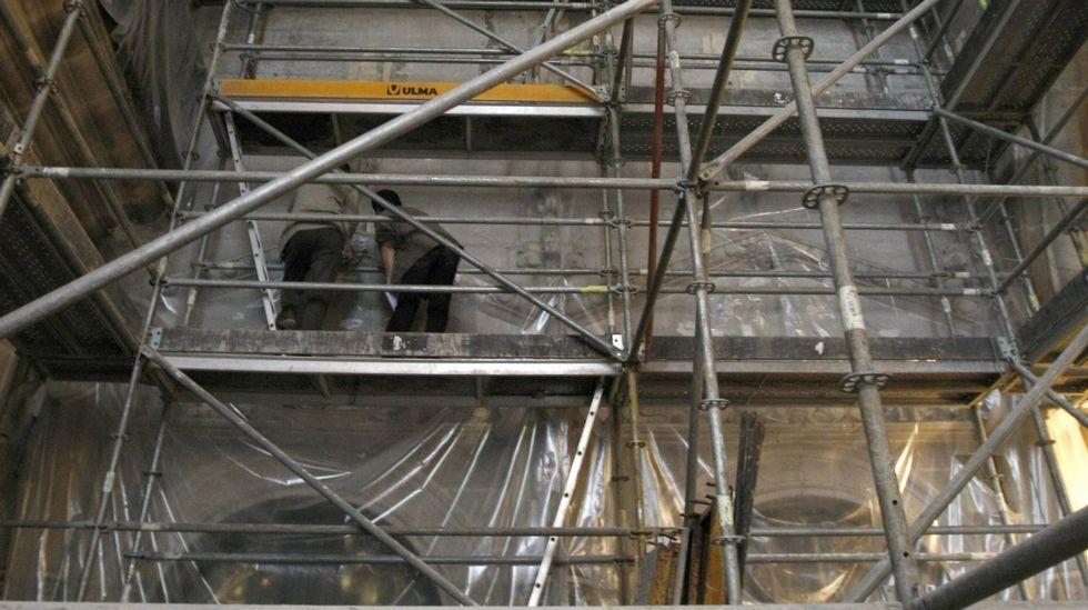 Los murales de la iglesia de San Vicente do Pino, de unos doce metros de altura, fueron descubiertos en unas obras de rehabilitación del edificio en el 2010