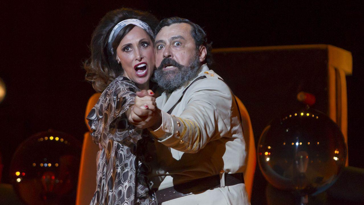 Os sete finalistas do concurso de teatro lido Xosé Manuel Eirís.Presentación de los finalistas del premio Tigre Juan