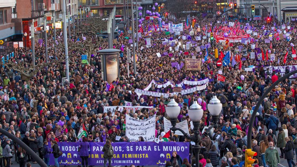 Cabeza de manifestación del 8M en Gijón