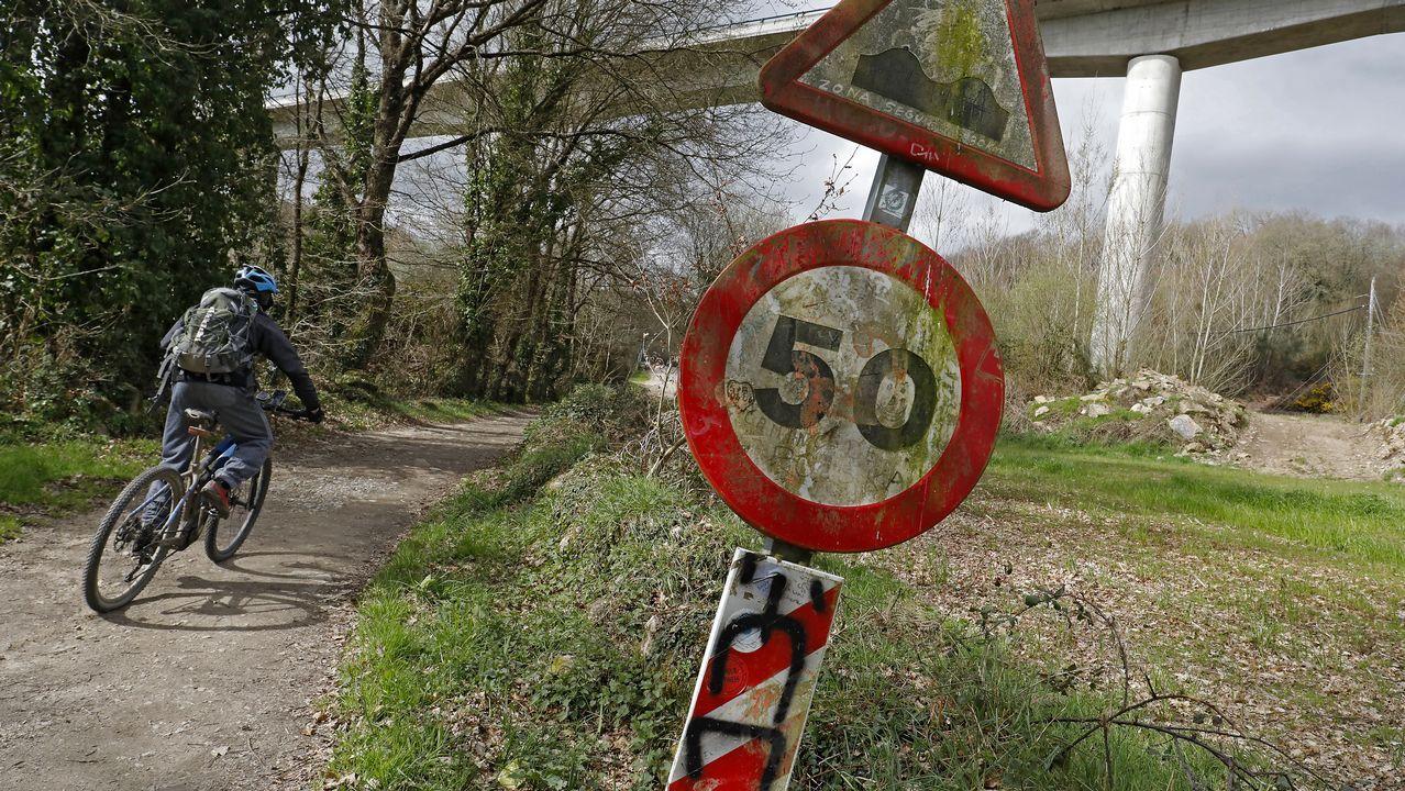 En una zona donde no es posible la circulación a motor, una señal limita la velocidad
