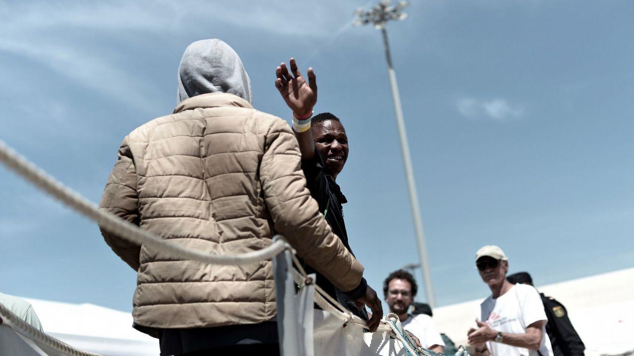 Refugiados desembarcando del Aquarius en Valencia el pasado día 17
