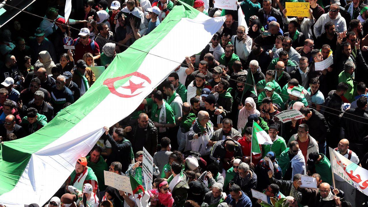 Protestas Argelia.Los argelinos reclaman una transición del régimen de su Gobierno