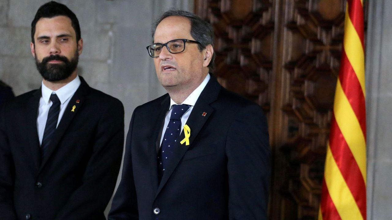 Estos son los ministros del Gobierno de Pedro Sánchez.Pedro Sánchez recibe el aplauso de los diputados socialistas