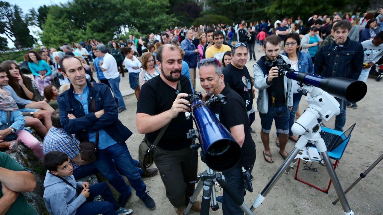 La ballena azul vuelve a Galicia.Las rutas a la carta en la lancha capitaneada por Luisa parten de Belesar pueblo
