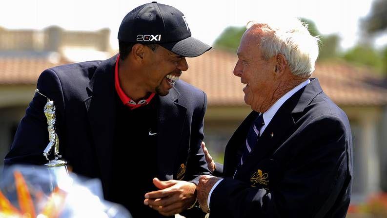 Tiger Woods ayer, al inicio de su cuarta vuelta en el Bay Hill Club de Orlando.