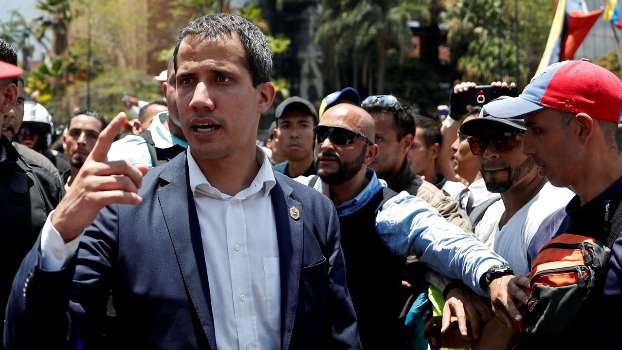 Los venezolanos secundan los llamamientos de Maduro y Guaidó.Juan Guaido