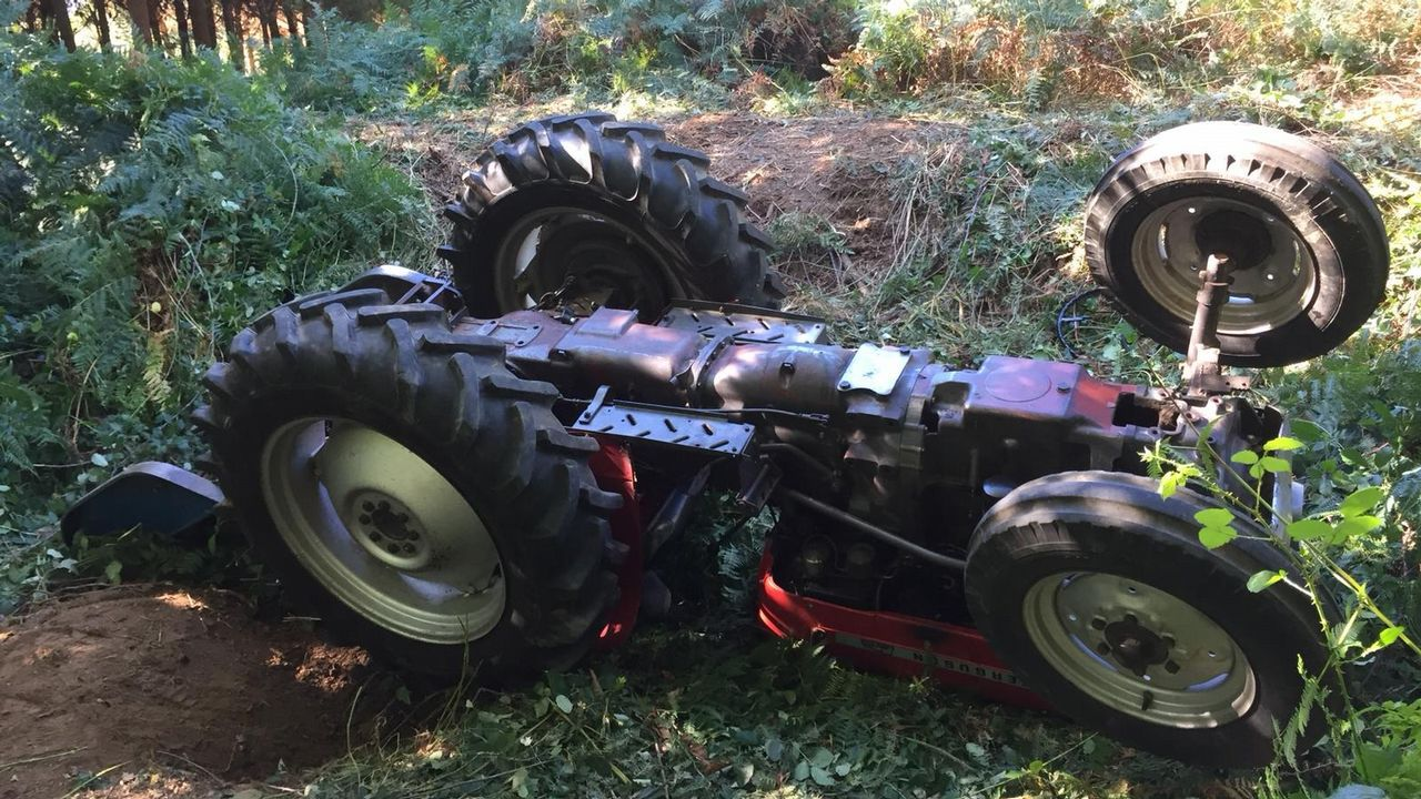 Un septuagenario fallece en Friol en un accidente con su tractor