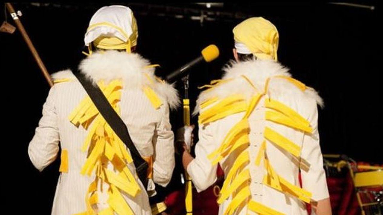 ¡Búscate en el concurso de disfraces de Camariñas! ¡Mira el álbum!.EL MONSTRUO DE LOS COLORES