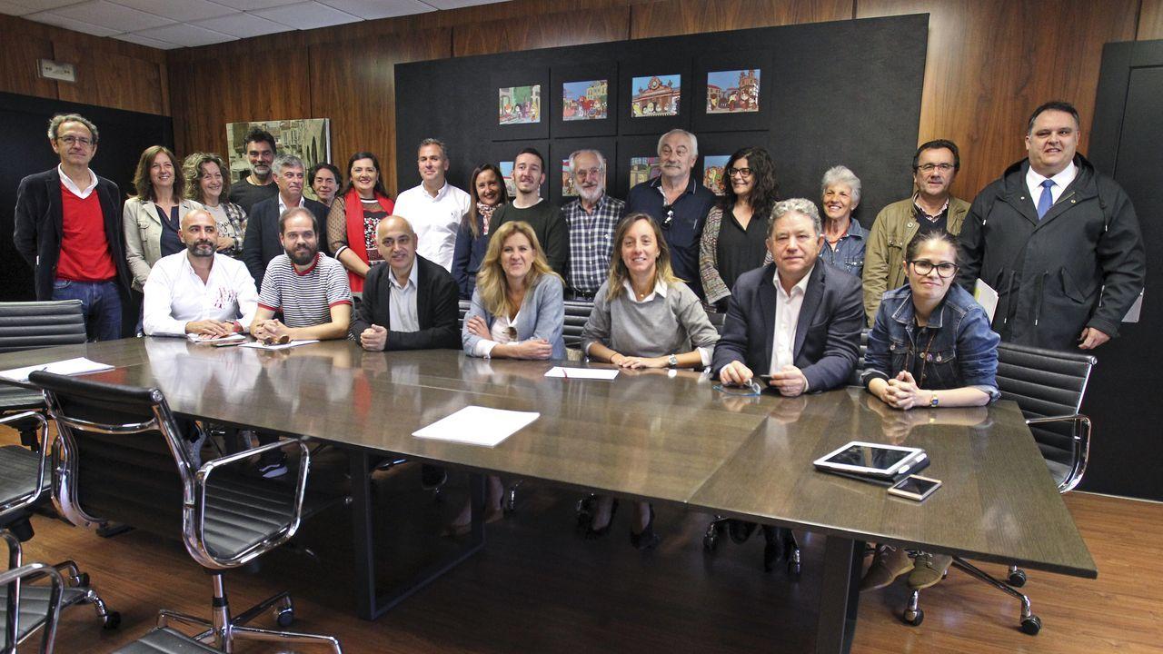 Pleno de investidura de Miguel Anxo Fernandez Lores para el En directo.Lores, este xoves no seu despacho no concello de Pontevedra