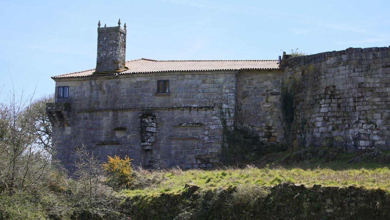 Cimavilla.Este pazo en Santo Estevo do Castro de Amarante está a la venta por 1.300.000 euros. La fortaleza es BIC