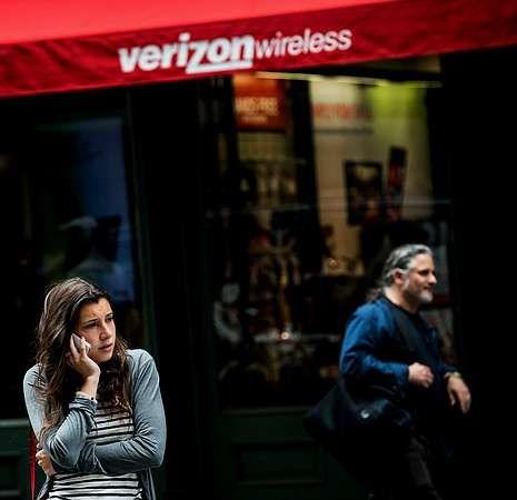 Estados Unidos recuerda a las víctimas del 11-S.Una tienda de una Verizon en Nueva York.