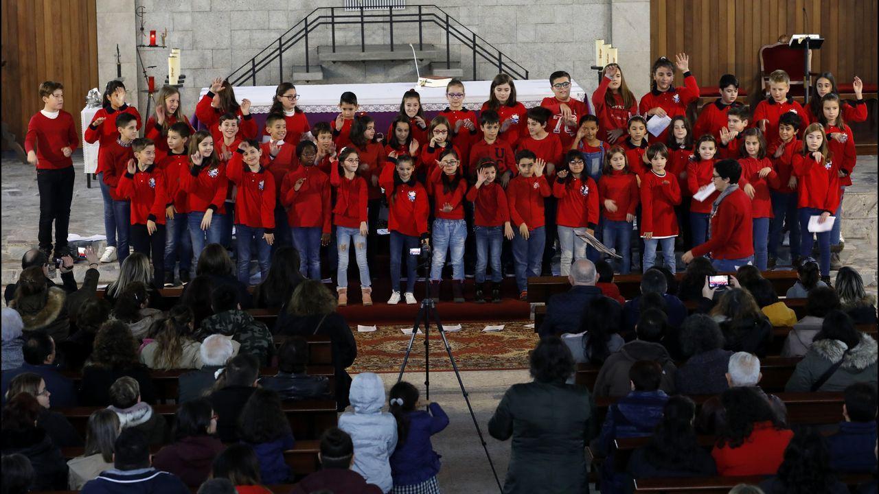 Muchos aplausosen el concierto del coro del Ceip de Celeiro