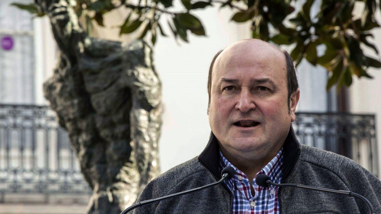 Casado anuncia que el PP recurrirá ante el TC los decretos convalidados en el Congreso.Torra viaja este miércoles a Edimburgo donde tiene previsto reunirse con la primera ministra escocesa y con la fugada exconsejera Ponsatí