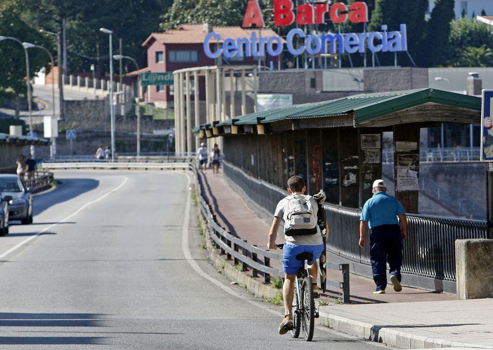 El puente de A Barca, que separa Pontevedra y Poio, es competencia de la Xunta de Galicia.