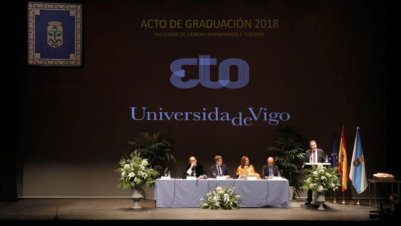 Los alumnos de Empresariales y Turismo se gradúan.