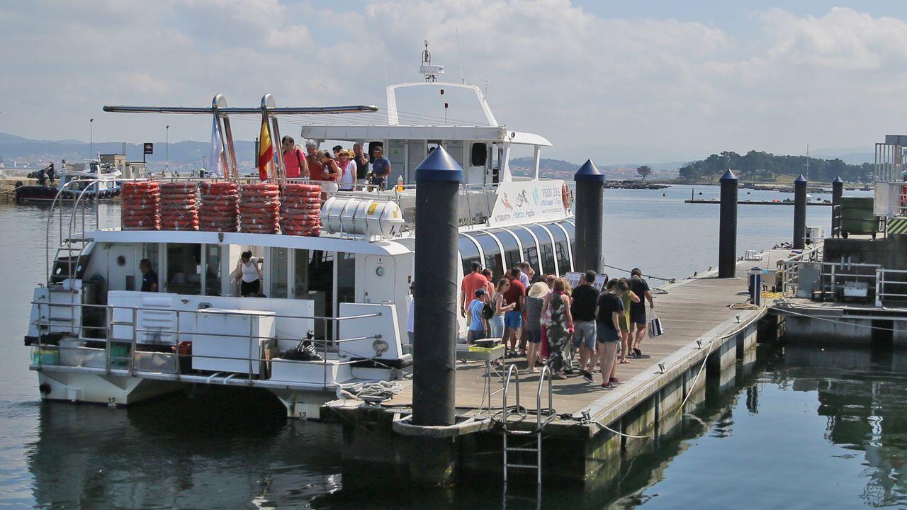 La Voz en un catamarán de pasajeros de O Grove